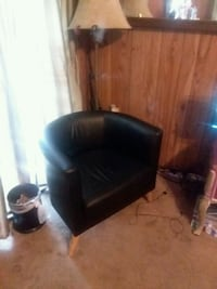 Black leather chair Goose Creek, 29445