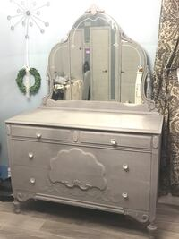 Beautiful antique dresser Orlando, 32812