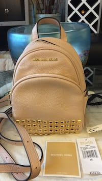 BNWT Authentic Michael Kors Studded Abbey XS Leather Bag - Ballet Pink 3749 km