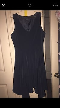 women's black v-neck sleeveless mini dress screenshot Bakersfield, 93307