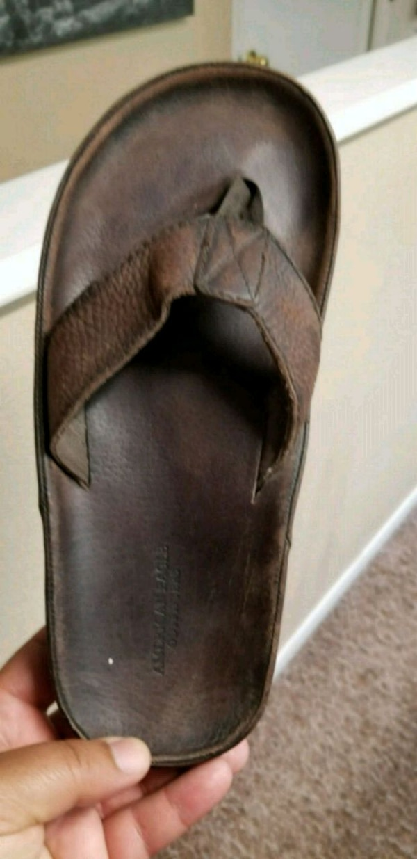 Used American Eagle men flip flops for sale in Colorado Springs - letgo 87be554102f0