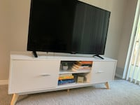 Tv stand  Tampa, 33613