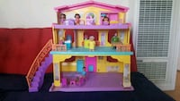 pink and purple doll house Paramount, 90723