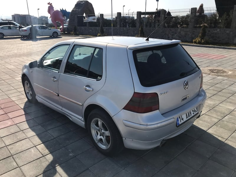 Volkswagen - Golf - 2000 3