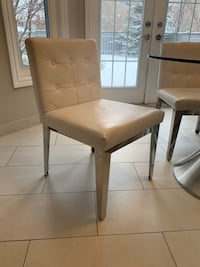 4x Genuine White Leather Chairs - like new! Mississauga, L4Z 3P4