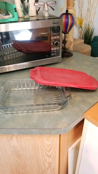 Glass Casserole Dish with Lid.