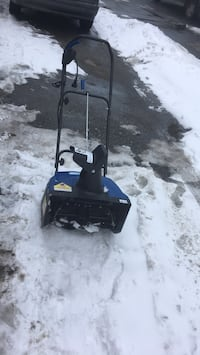 Electric snowblower Kelowna, V1Z 3J9