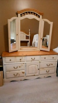 Bedroom set. Solid Wood Nashville, 37013