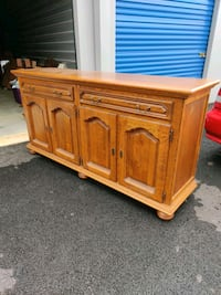 MASSIVE Solid Oak Buffet Frederick, 21701