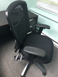 Black executive 3-way adjustable office chair Richmond, V6W