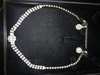 Flower earring and necklace (costume jewelry) Abbotsford, V2T 5L6