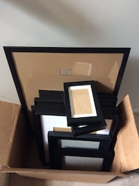 Box of assorted sized picture frames Chantilly, 20151
