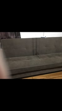 Couch New York, 10314