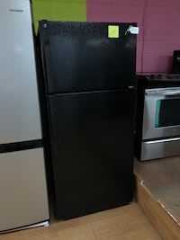 GE black top freezer refrigerator  Woodbridge, 22191