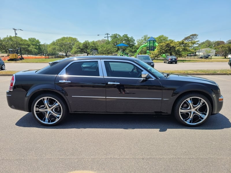 2010 Chrysler 300 Touring Only 58K Miles - CLEAN CARFAX! 3