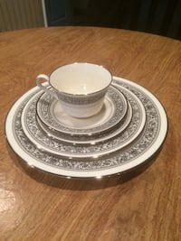 Noritake Prelude Place Setting for Ten Forest Hill, 21050
