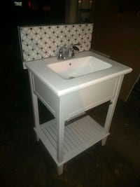 Like new vanity for sale