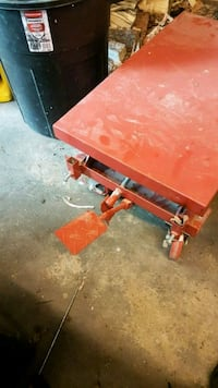 red hydralic lift table 500lb Calgary