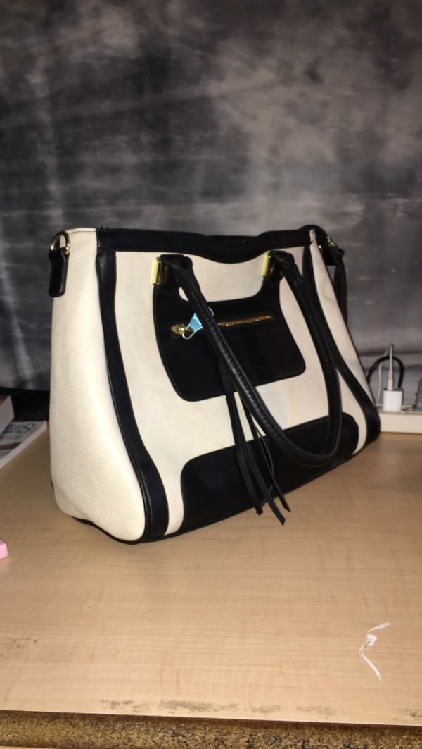 4159fb31be5c42 Used Boujee Beige and Black Bag for sale in Raleigh - letgo