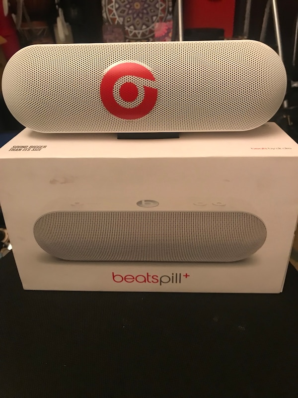 BEATSPILL by dr Dre BRAND NEw