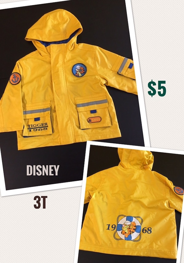 3T Disney Toddler Boy Raincoat in Excellent Condition