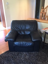 Black Leather Chairs Mississauga, L5G 2X4