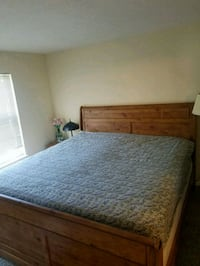 King size mattress and box spring-8 years old Orchard Park, 14127