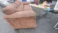 brown 3 seater couch Detroit, 48213