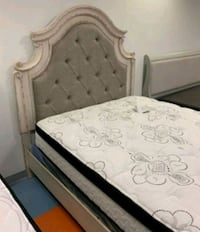 Realyn Chipped White Queen Panel Bed..  B743 Jessup, 20794
