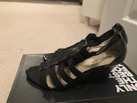 Ellen Tracy sandals used, size 6 557 km