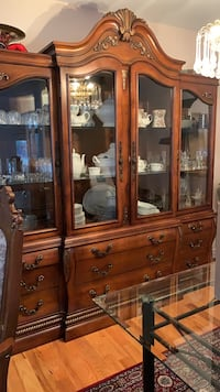 Cabinet for sale in a very good condition