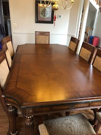 Dinning table w/ 8 chairs Chantilly, 20152