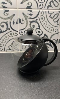 Small black tea pot Portland, 97211
