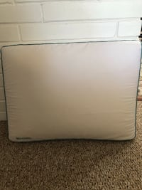 Side sleeper cool/gel pillow. Only use two times. Excellent condition! Taylor, 48180