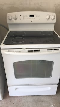 White and black electronic smooth top range oven Ijamsville, 21754