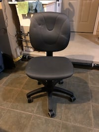 black leather office rolling armchair 723 km