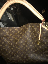 brown Louis Vuitton leather tote bag New York, 10465
