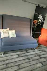 Beautiful accent sofa/couch Burlington, L7L 4L9