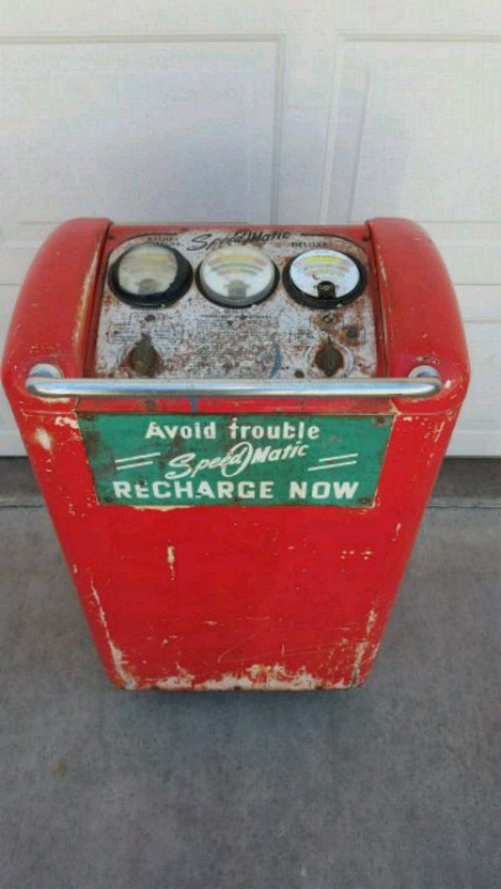 Photo Vintage gas station battery charger man cave Museum petroliana