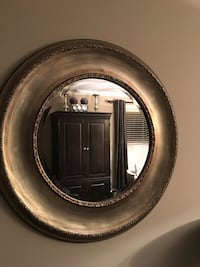 Round pewter and gold tone framed mirror Markham, L3R 6X4