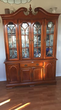 brown wooden china cabinet with glass display cabinet Piscataway, 08854