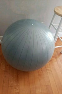 75 cm exercise ball Fairfax, 22030