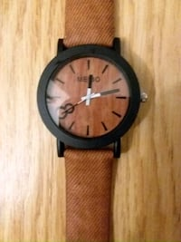 New Faux wooden analog watch  Summerfield, 27358