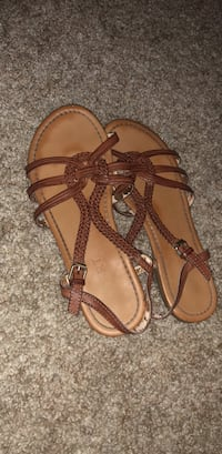 Pair of brown leather sandals Redding, 96002