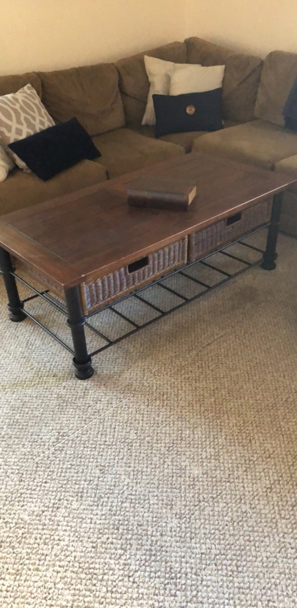 Coffee Table 0cf0ac36-1310-4008-ba27-25ae61eb0561