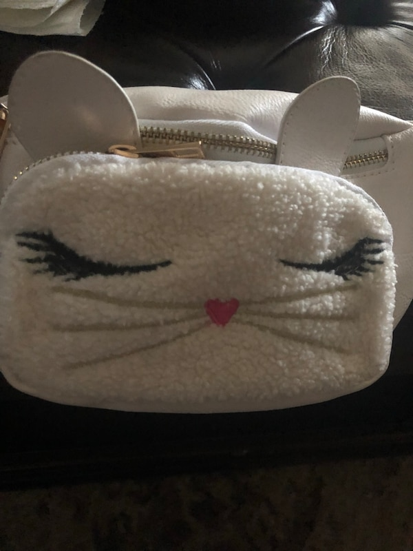 Belt bag super cute cat face..