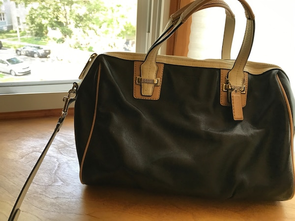 30c3f36a22b8 Used Women s black and brown leather shoulder bag for sale in Oak Park