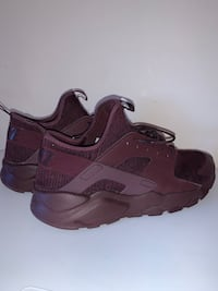 Sz 12 Nike huaraches run ultra