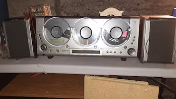 3 cd player radio with speakers