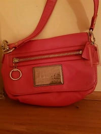 Coach  poppy  pink  leather  bag  Whitby, L1N 8X2